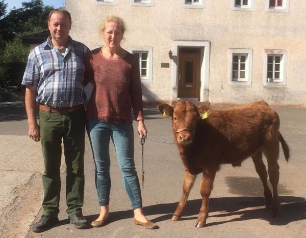 Karl Reißner und Viviane Theby unterrichten Ganzheitliches Weidemanagement in Bombogen / Wittlich